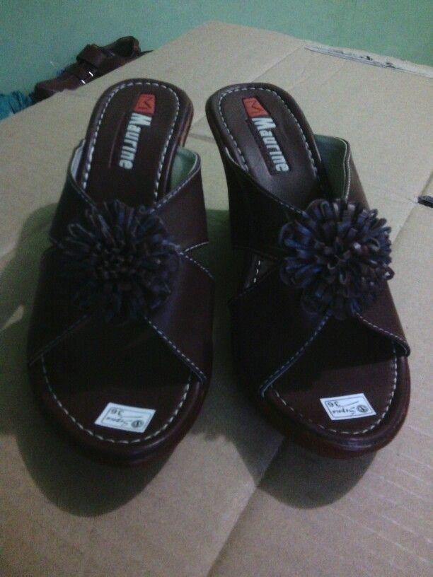 Pin Oleh Ari Susanto Di Gudang Sepatu Sepatu