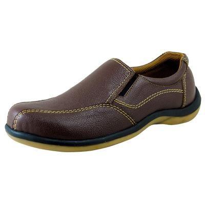Sepatu Pria Warna Coklat Dengan Desain Jahitan Yang Keren Memberi