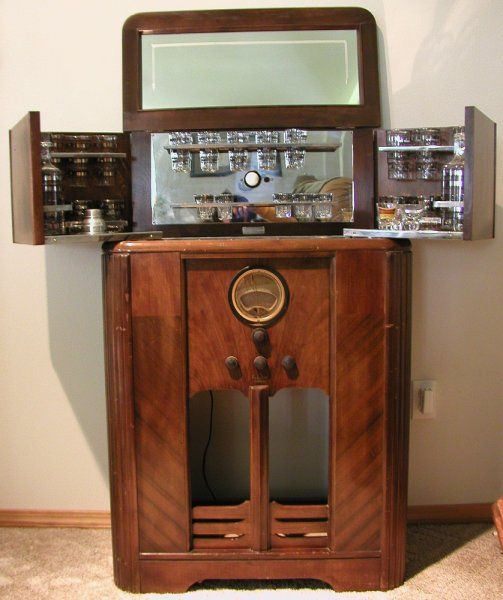 Philco Radio Bar with Philco 389 Early american