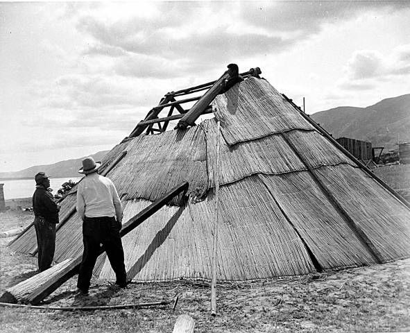 Building A Wanapum Mat Lodge Yakama And Other Plateau