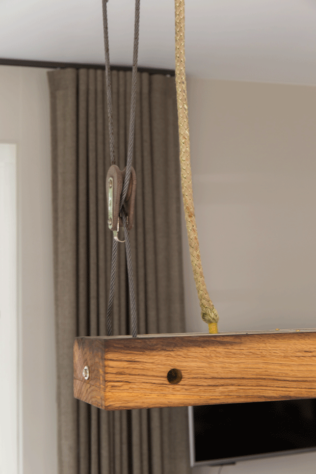 Massief Eiken Planken Op Maat.Oud Eiken Tafel Lamp Planken Lampen I Zwaartafelen