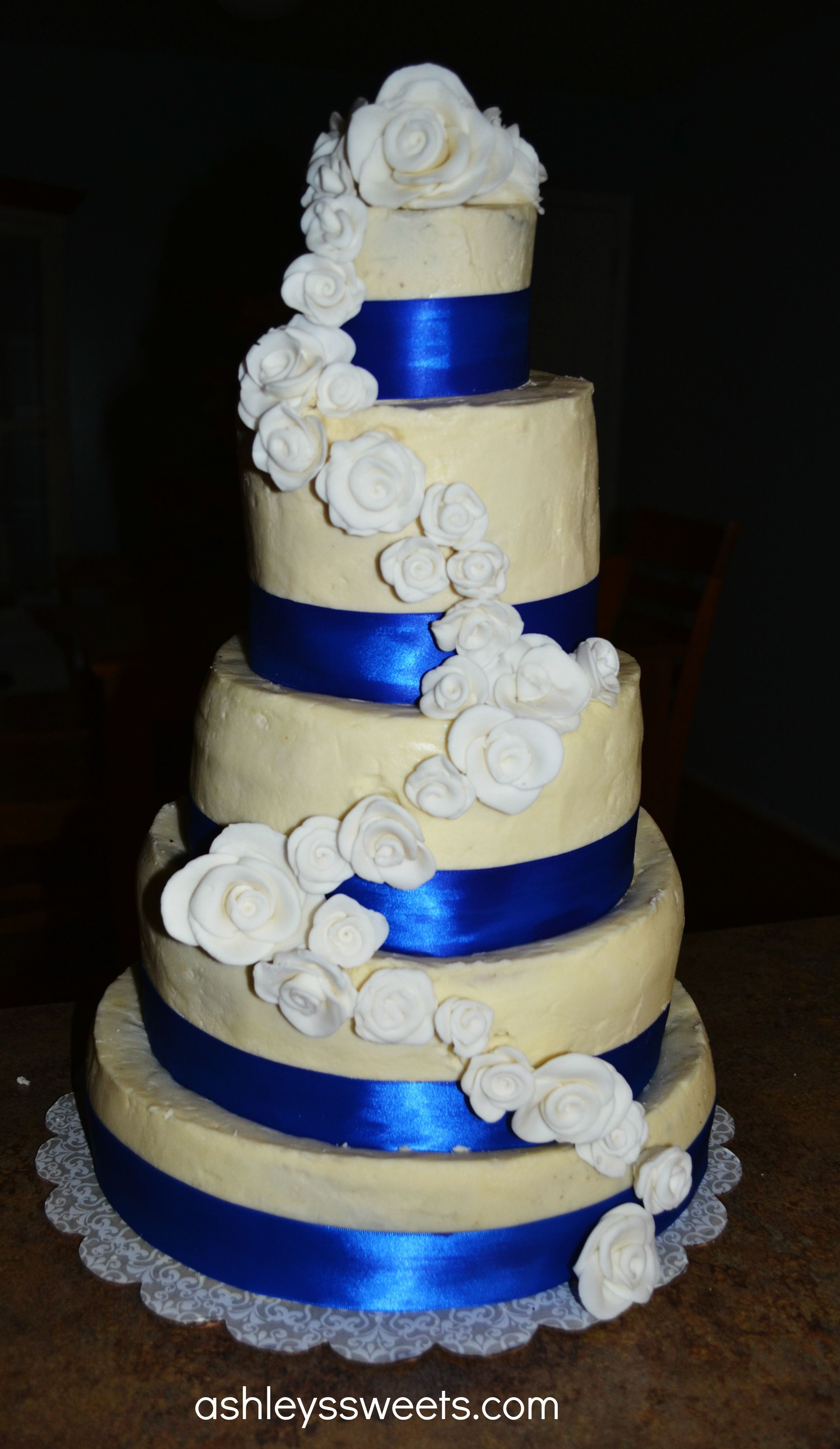 white wedding cake with royal blue flowers royal blue and lime green wedding cake royal blue 27421