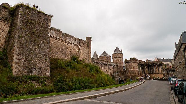 Rue de Bouteiller, Castillo de Fougères by Jose Antonio Abad, via Flickr