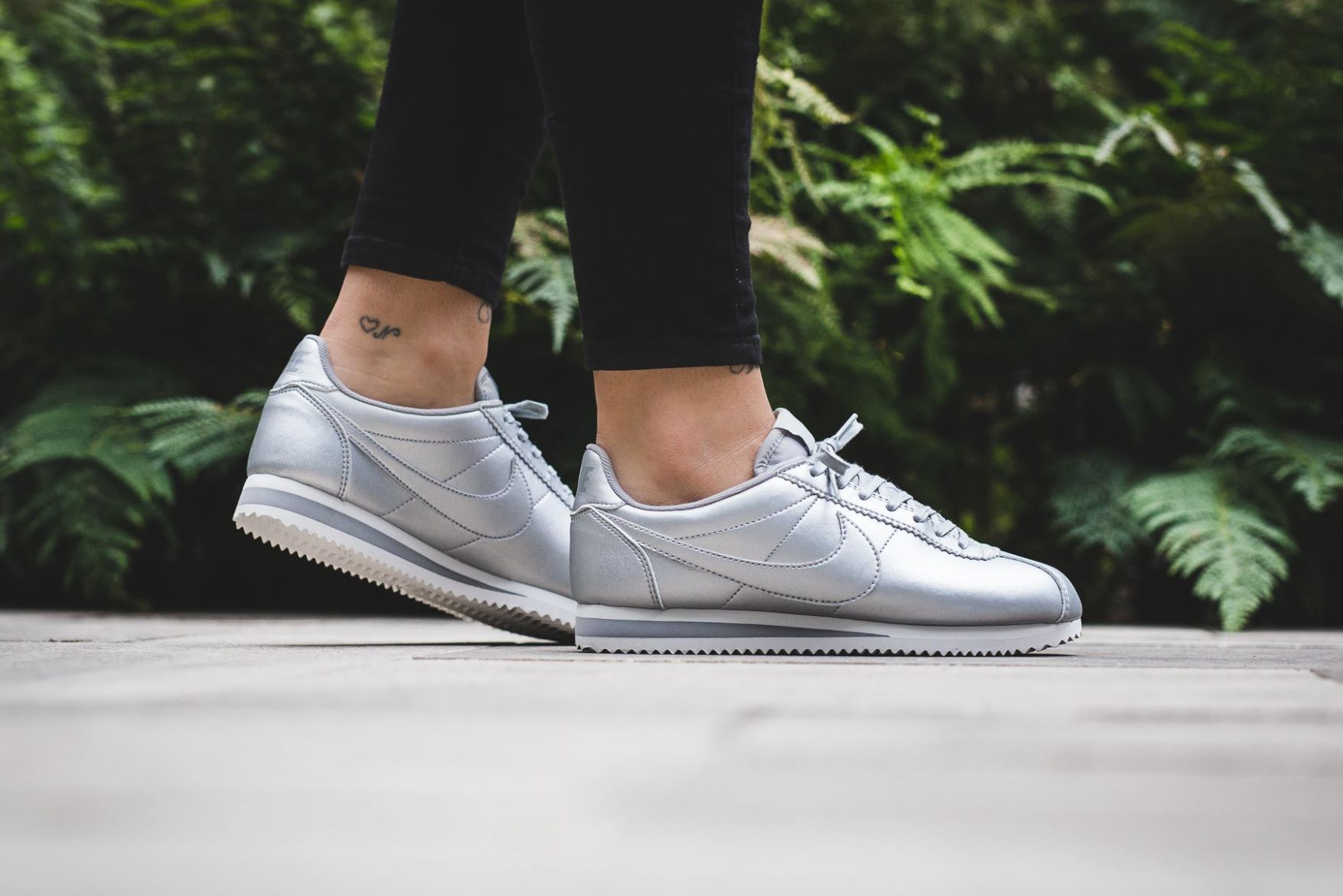 nike classic cortez leather metallic silver Fashion