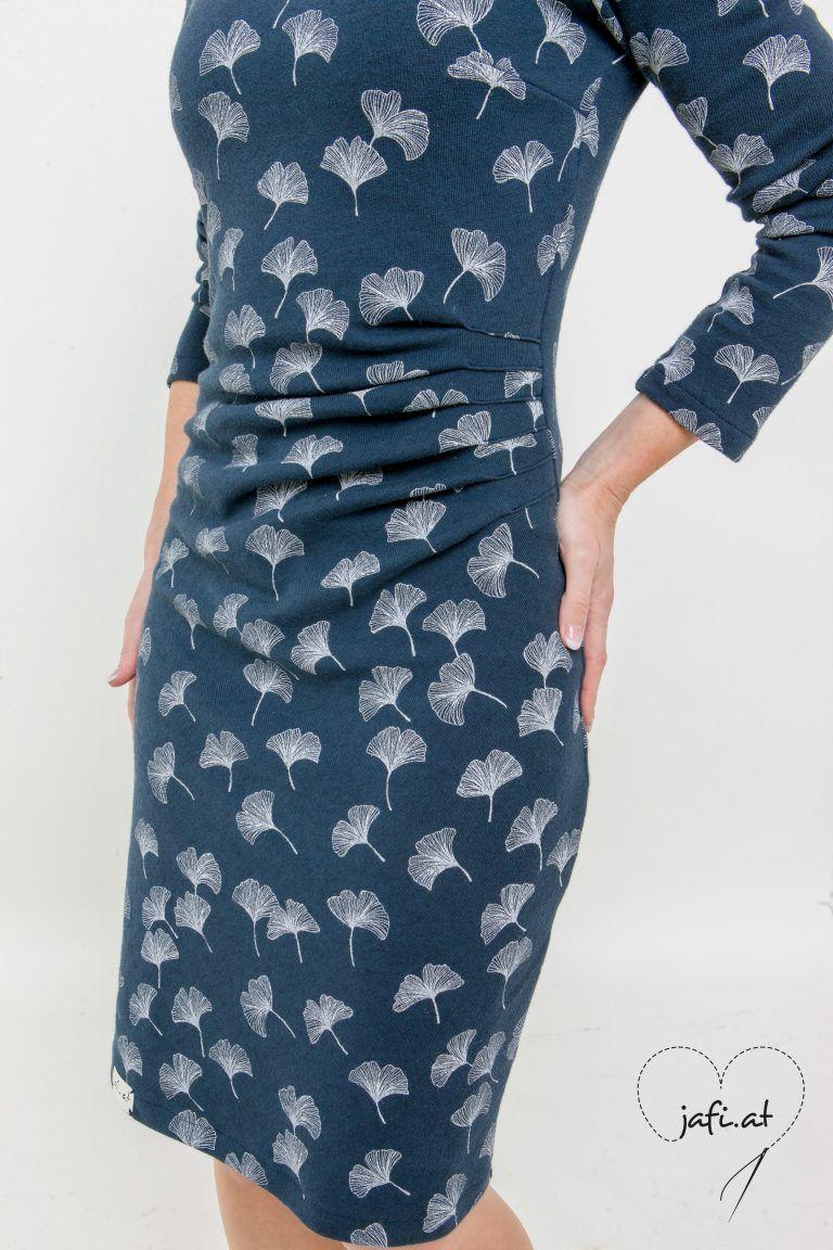 Jerseykleid mit raffung nahen