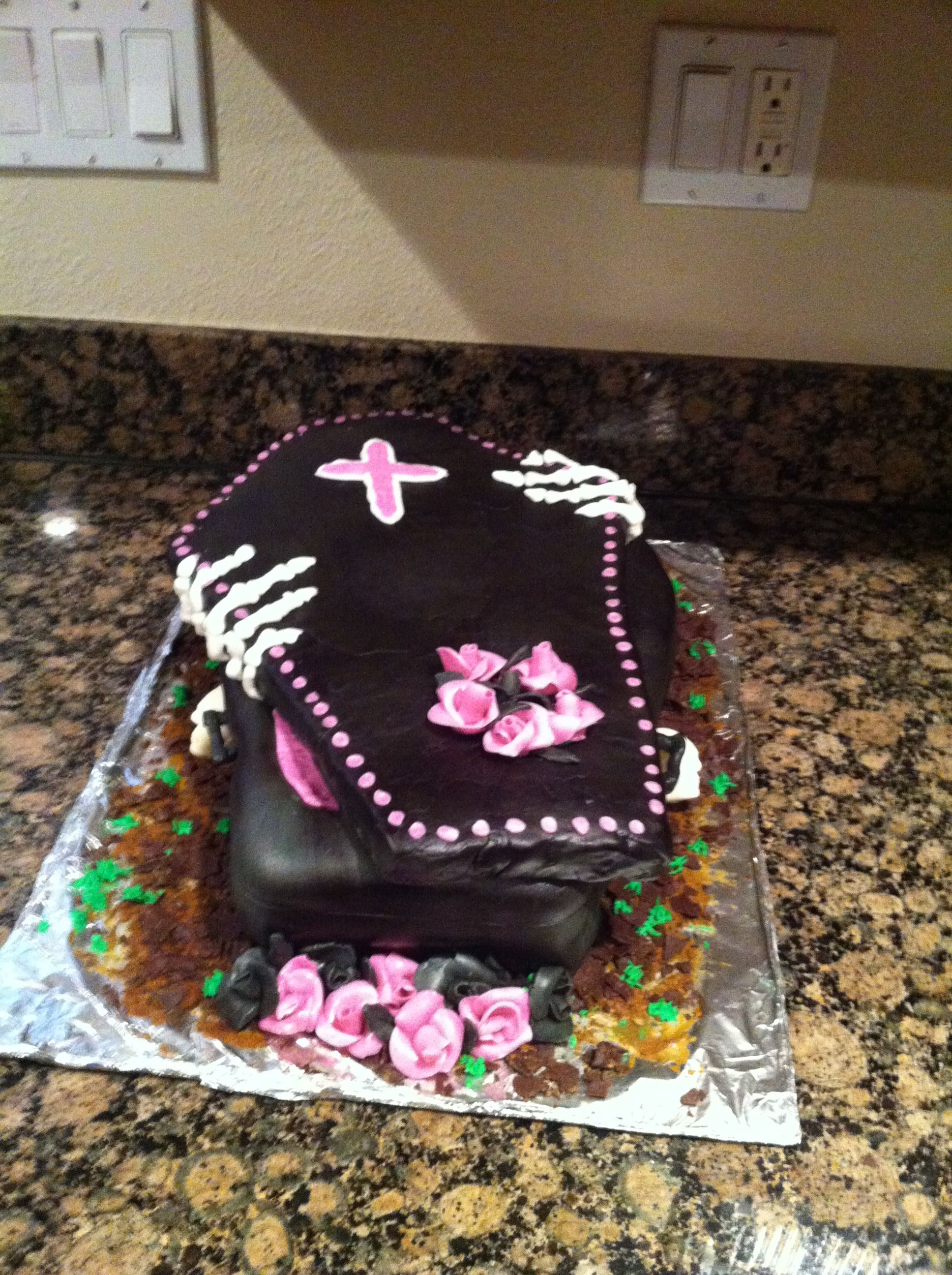 Coffin Goth Cake Marias Cakes Pinterest Cake Birthday Cake