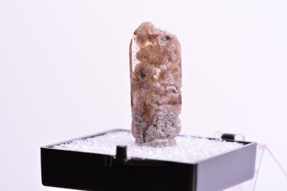 TN Sand TOPAZ with Bixbyite Crystal Mineral Specimen Utah USA Perky Box MDL83 #utahusa
