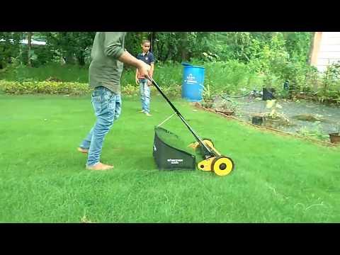 Manual Lawn Mowers Youtube In 2020 Manual Lawn Mower Lawn Mower Lawn Mowers