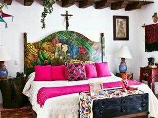 Recamaras recamaras pinterest for Decoracion de casas tipo hacienda