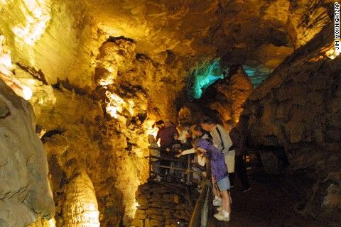 8 amazing american caves