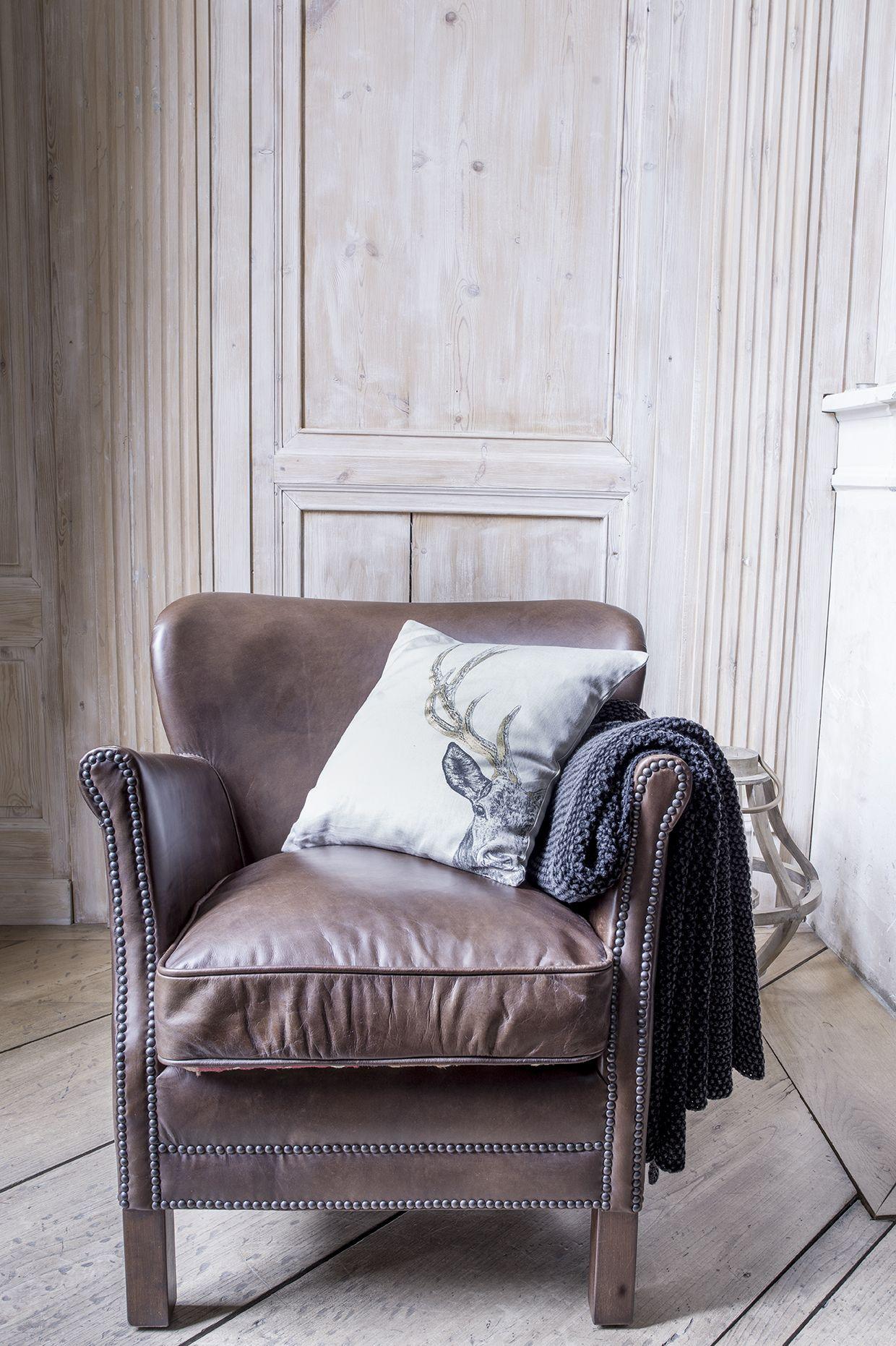 Profitez d'un agréable moment de détente dans votre salon ...