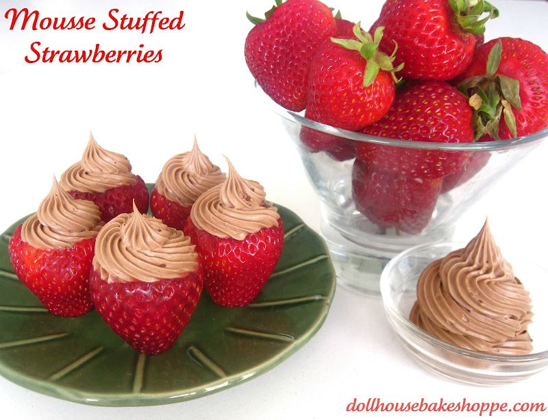Dollhouse Bake Shoppe: Simple Chocolate Whipped Cream Stuffed Strawberries
