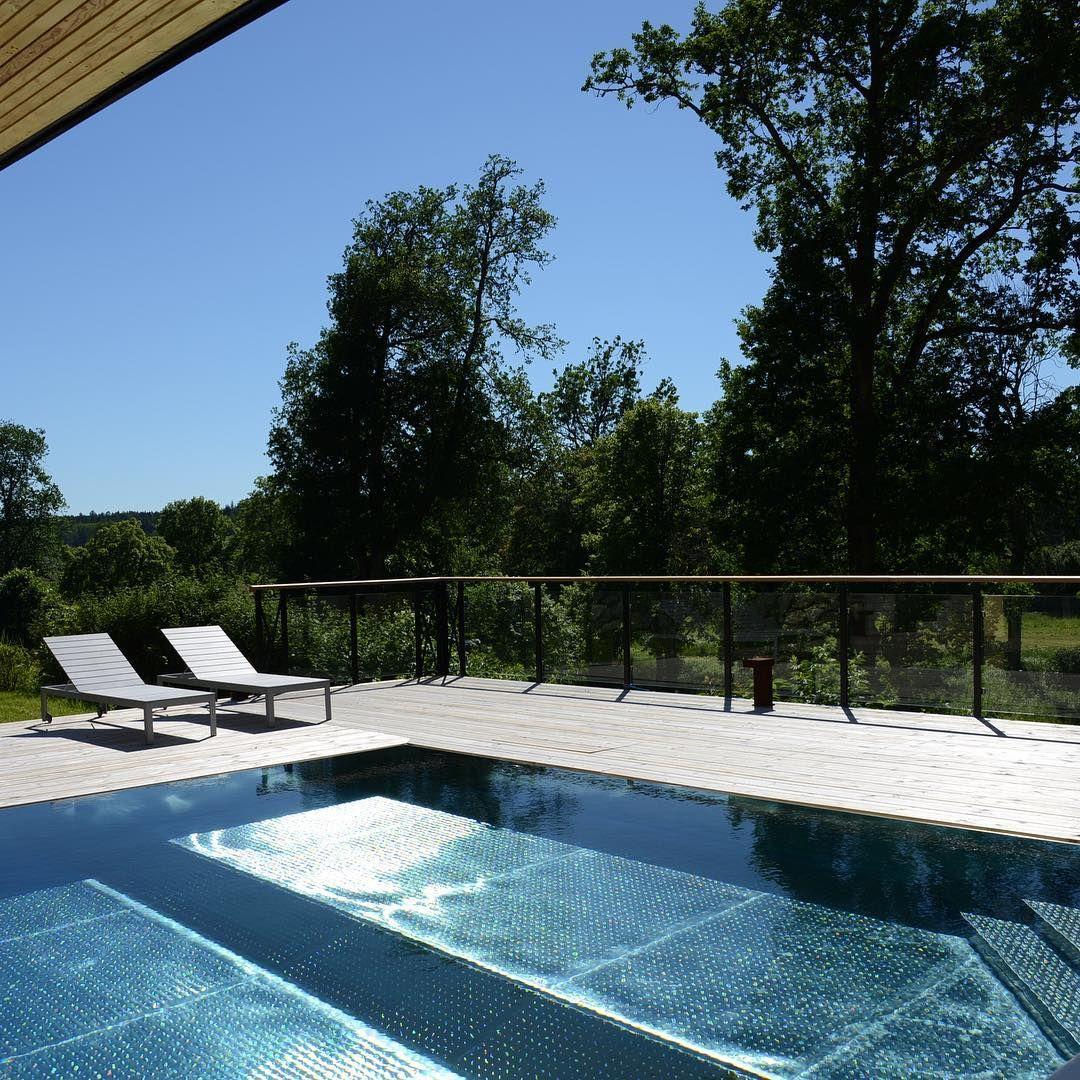 FRÖTUNA GÅRD Rasbo - ny spa-anläggning med rostfri utomhuspool ... : utomhuspool : Inredning