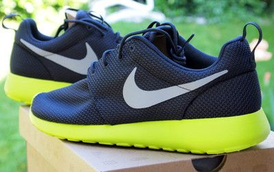finest selection 699a2 8a184 Nike Mens ROSHE RUN Anthracite Wolf Grey Cyber
