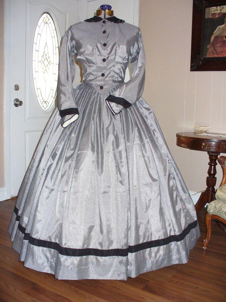 Day Dress 14 001 Civil War Dresses Civil War Dress Couture Outfits Dresses [ 1024 x 768 Pixel ]