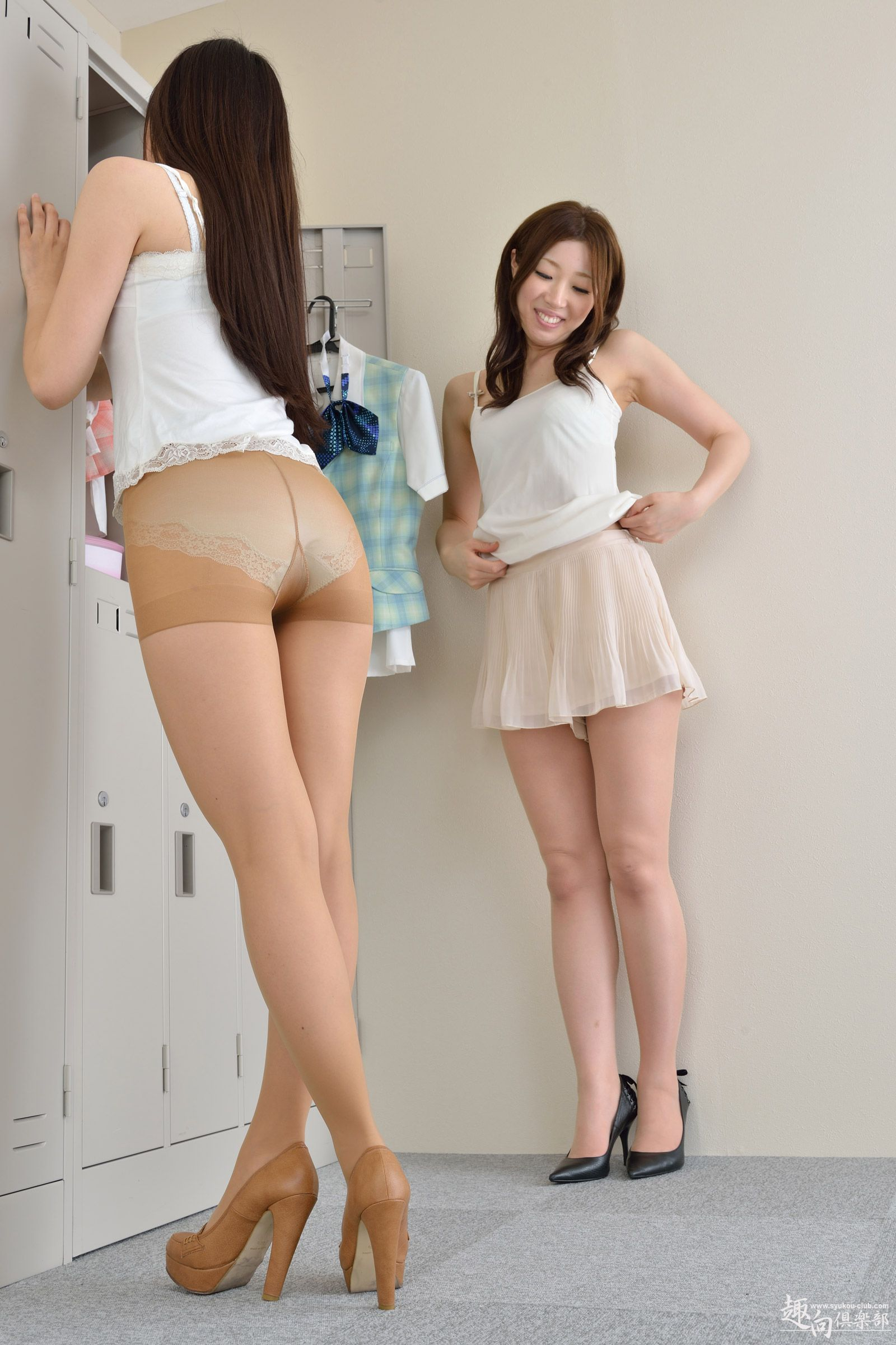 locker pantyhose Asian room