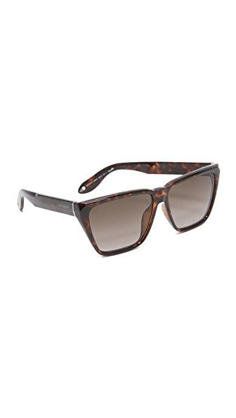 Get this Givenchy\'s sunglasses now! Click for more details ...