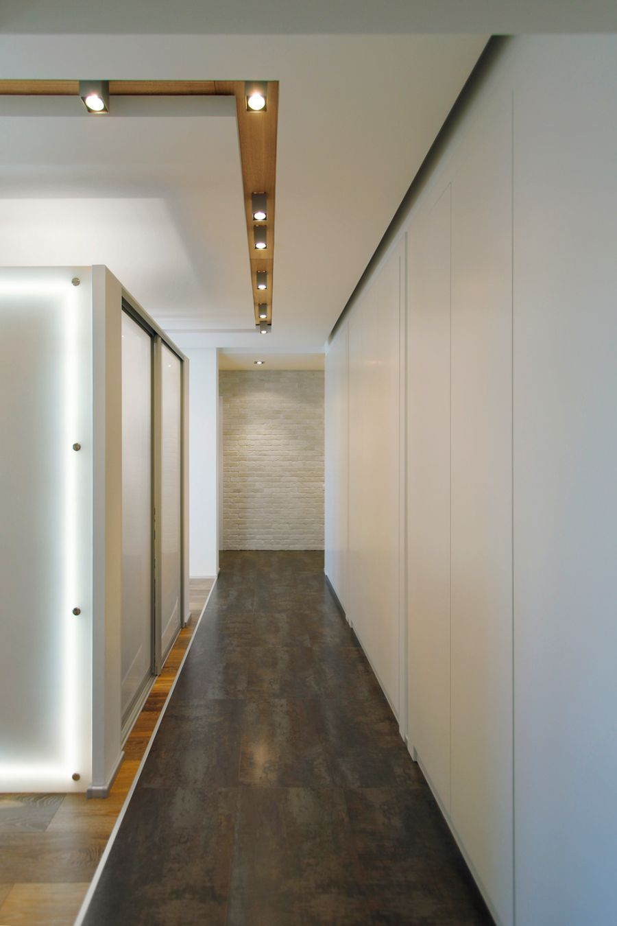 Chic Moscow Apartment Blends Minimalism With Cool Pops Of Blue Apartment Entrance Cool