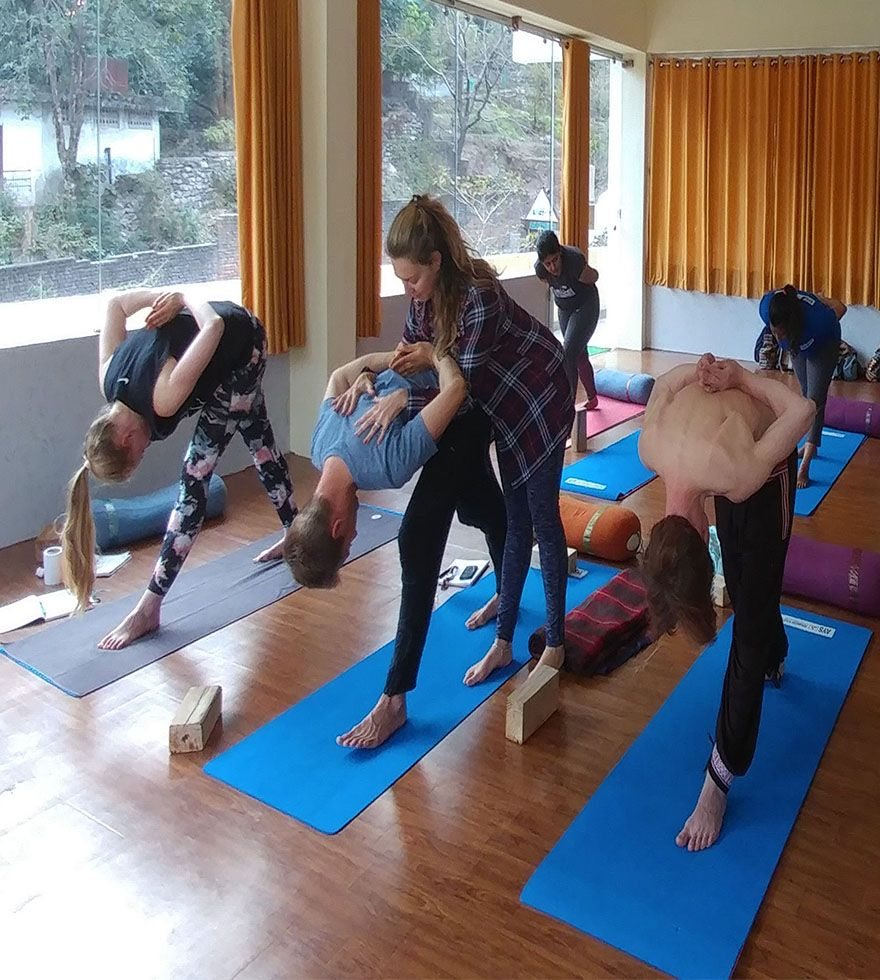 200 Hour Ashtanga Yoga Teacher Training in India (With ...