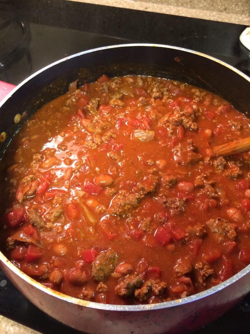 The Best Chili You Ll Ever Put In Your Mouth 2 Lbs Lean Ground Meat 1 Onion 2 Jars Of Tabasc Chili Starter Recipe Bush S Chili Recipe Starters Recipes