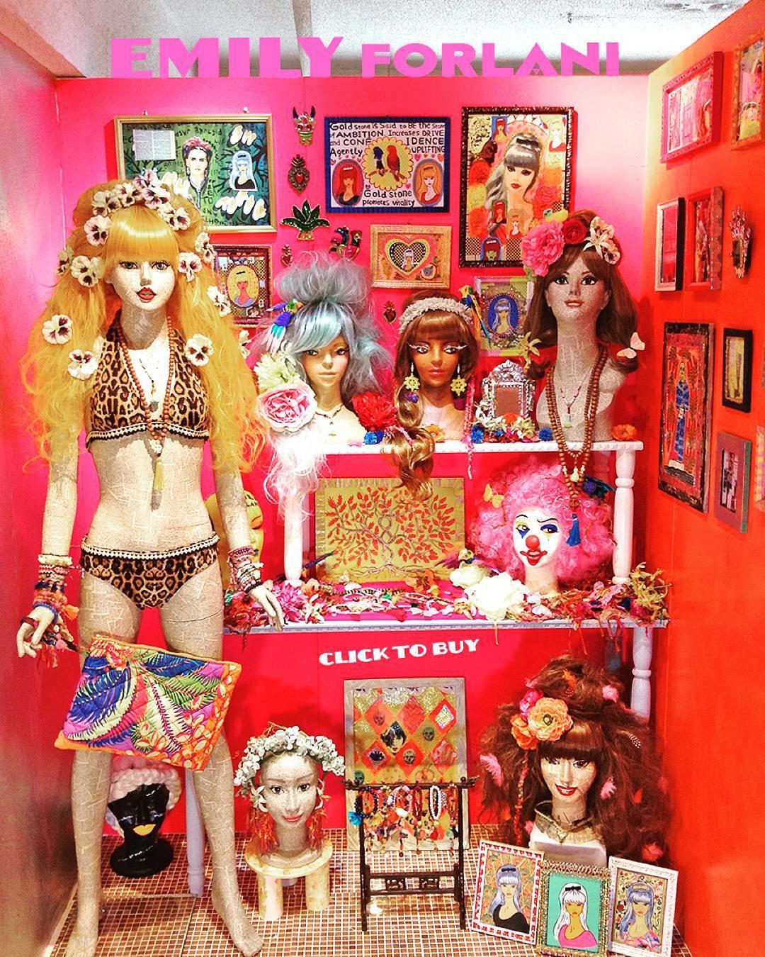 Wow! Monday starts with a bang  introducing Tokyo based artist Megumi Ueda. @emilyforlani #flamboyantrock #tokyo #jewellery #accessories #art #illustrations #oneofakind  by supermarket_sarah