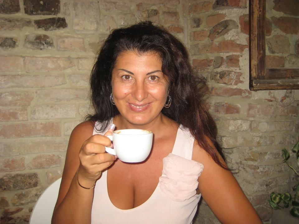 snelling mature women personals Looking for a reliable online dating site to meet russian women log on to onewifecom and find beautiful women from around the world, including ukraine women for marriage.