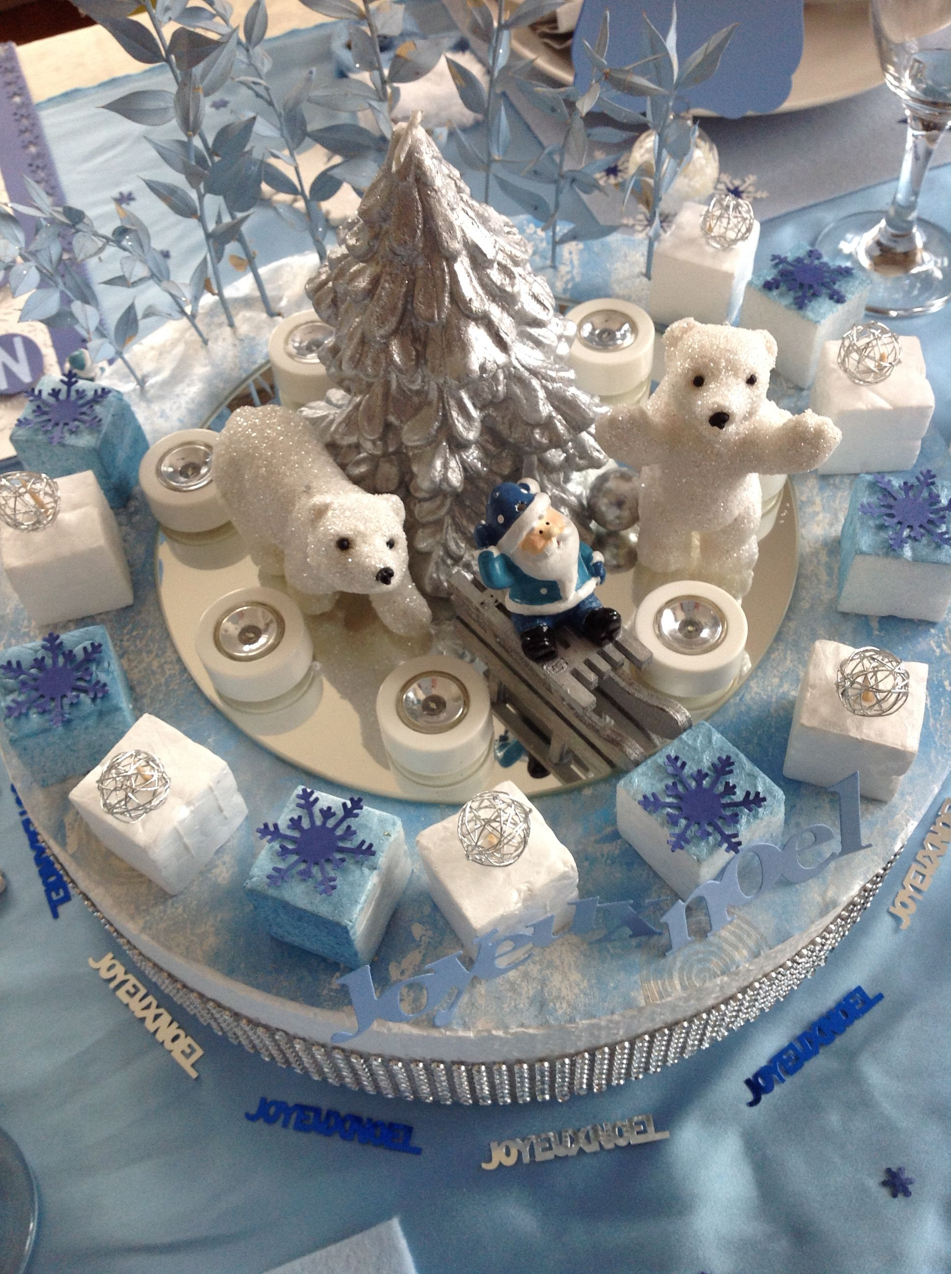 Centre de table avec ours polaires table noel au pole for Pinterest centre de table