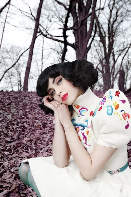 @kimbramusic is breathtaking. She reminds me of an artisan cupcake. (opposed to, like, a Katy Perry cupcake).