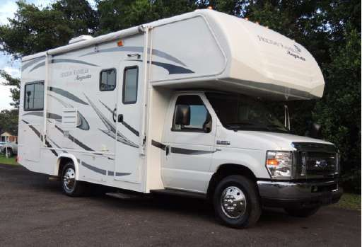 Check out this 2015 Holiday Rambler AUGUSTA 23B listing in Ocala, FL 34471 on…