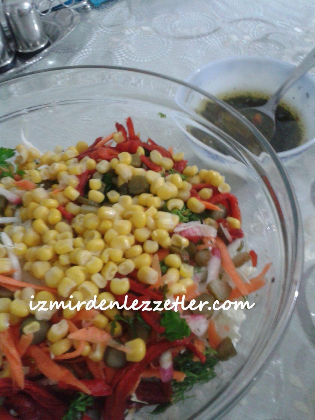 Yeşillikli Siyah Fasulye Salatası Videosu