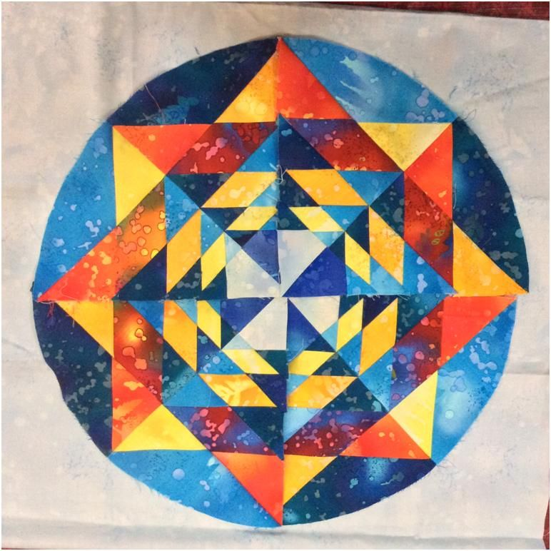 The (Almost) Fractal Mandala – Block Fourteen, Round the Year ... : mandala quilt - Adamdwight.com
