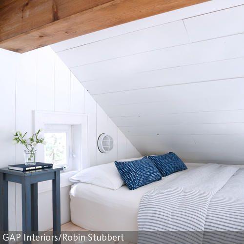 Dieses Minimalistisch Eingerichtete Schlafzimmer Kommt Ohne Viel  Schnickschnack Aus. Dennoch Wirkt Der Raum Nicht Ungemütlich Oder Karg.