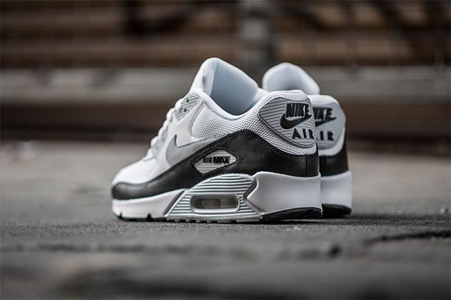 best service ce1b8 ec698 Sneaker Central - NIKEÂ AIR MAX 90 - Foot Locker
