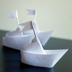bateau origami paper wall pinterest paquebot bateaux en papier et deco fenetre. Black Bedroom Furniture Sets. Home Design Ideas