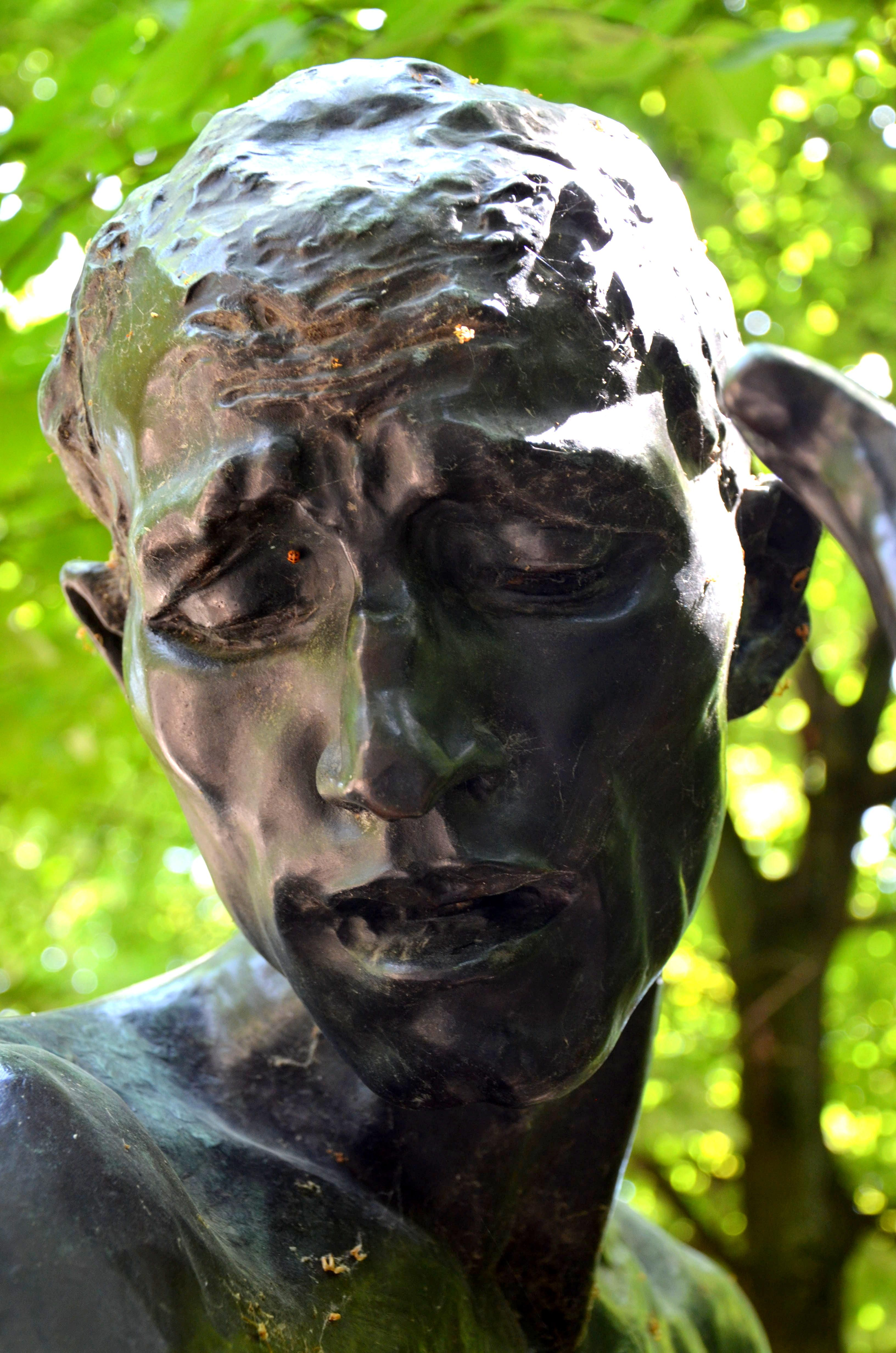 Les Bourgeois De Calais 1889 Par Auguste Rodin 1840 1917 Tete De Pierre De Wissant Bronze Fondu En 1926 Mus Rodin Sculpture Sculpture Art Soulful Art
