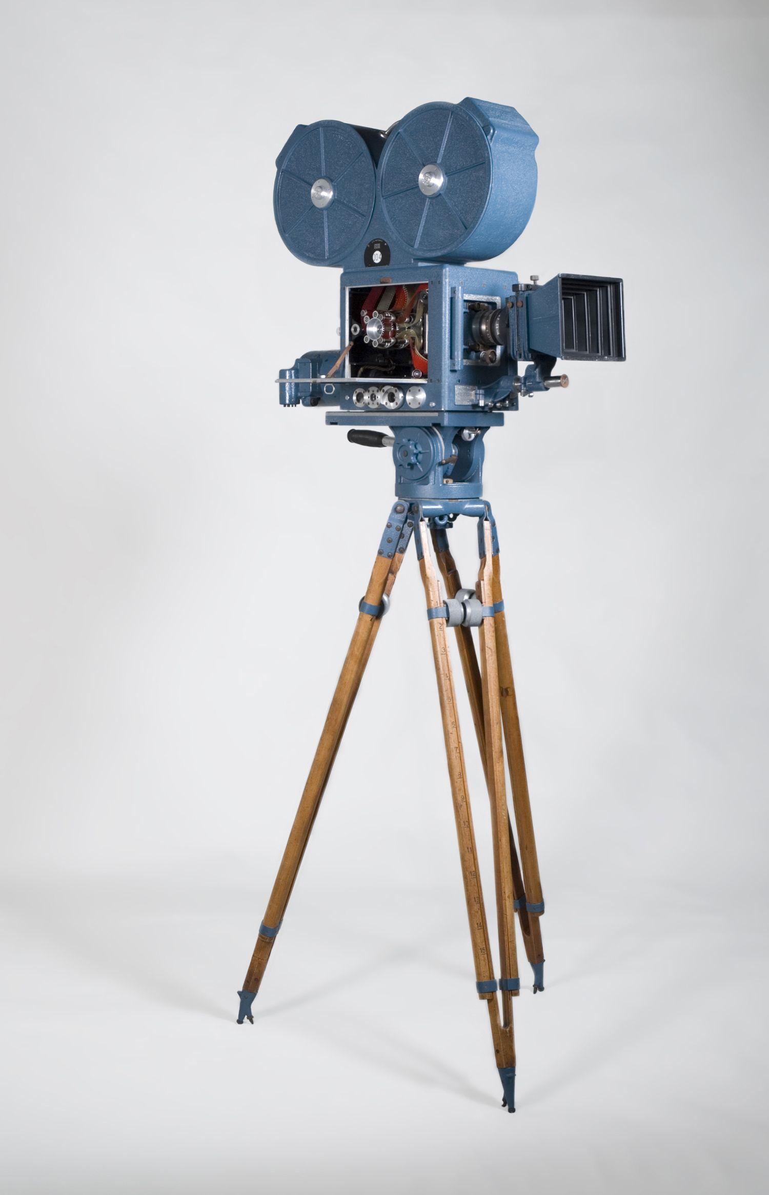Technicolor Camera Jpg 1500 2331 Movie Camera Old Cameras Church Decor