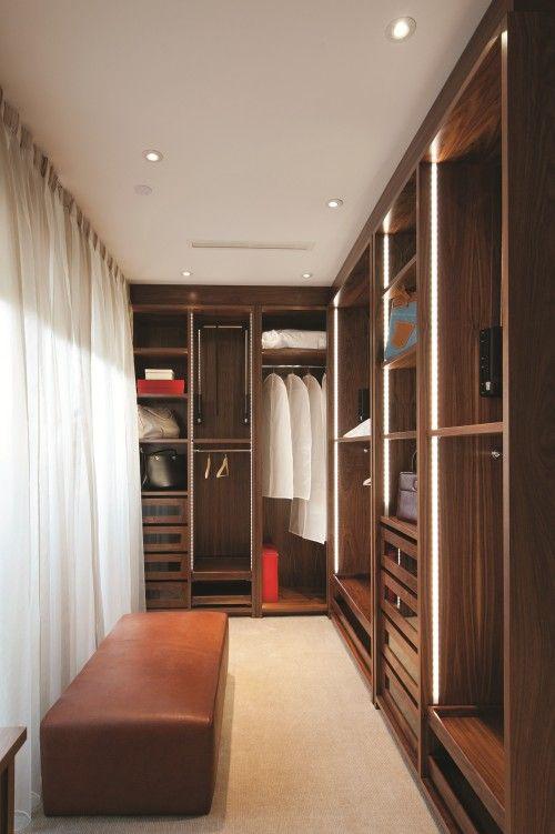 Closet + luz de led dentro del closet... it could be