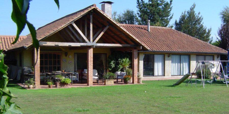 Foto casa estilo chilena de b arquitectura 45856 for Fachadas de casas estilo campo