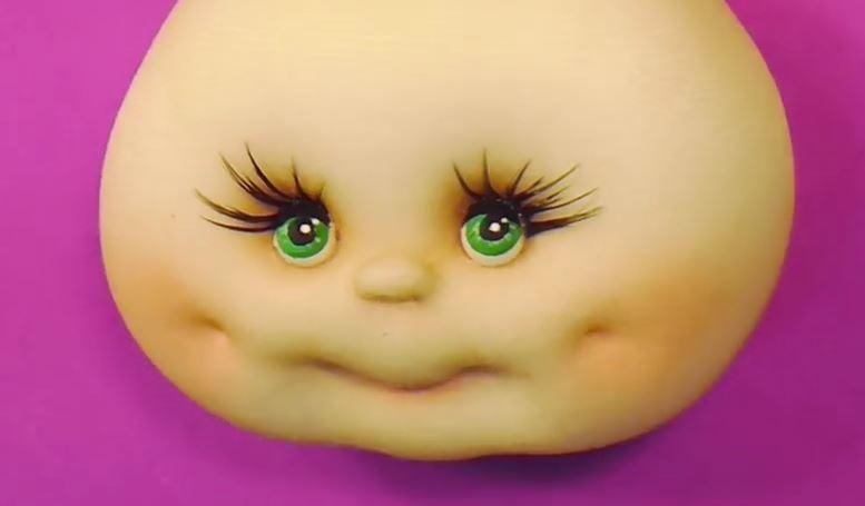 Ojos personalizados para muñecos | Aprender manualidades es facilisimo.com