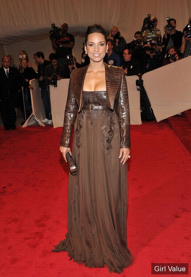 alicia keys in brown dress photos eyes