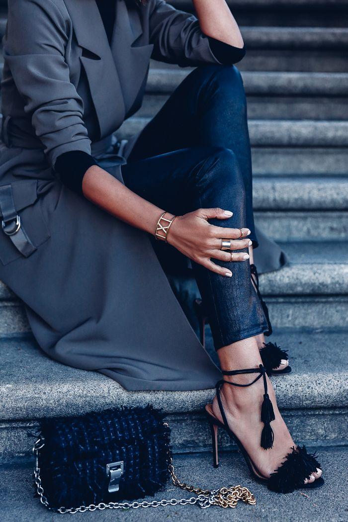VivaLuxury - Fashion Blog by Annabelle Fleur: Trench x Heels