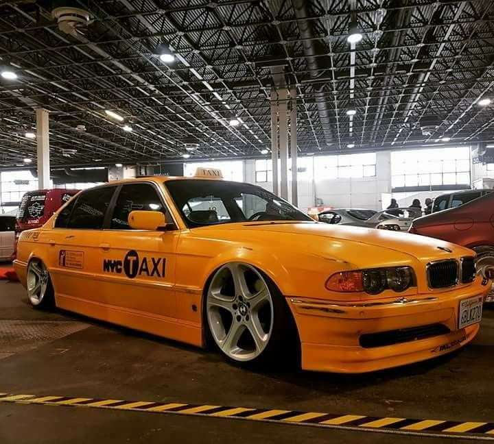 BMW E38 7 Series Slammed NYC Taxi
