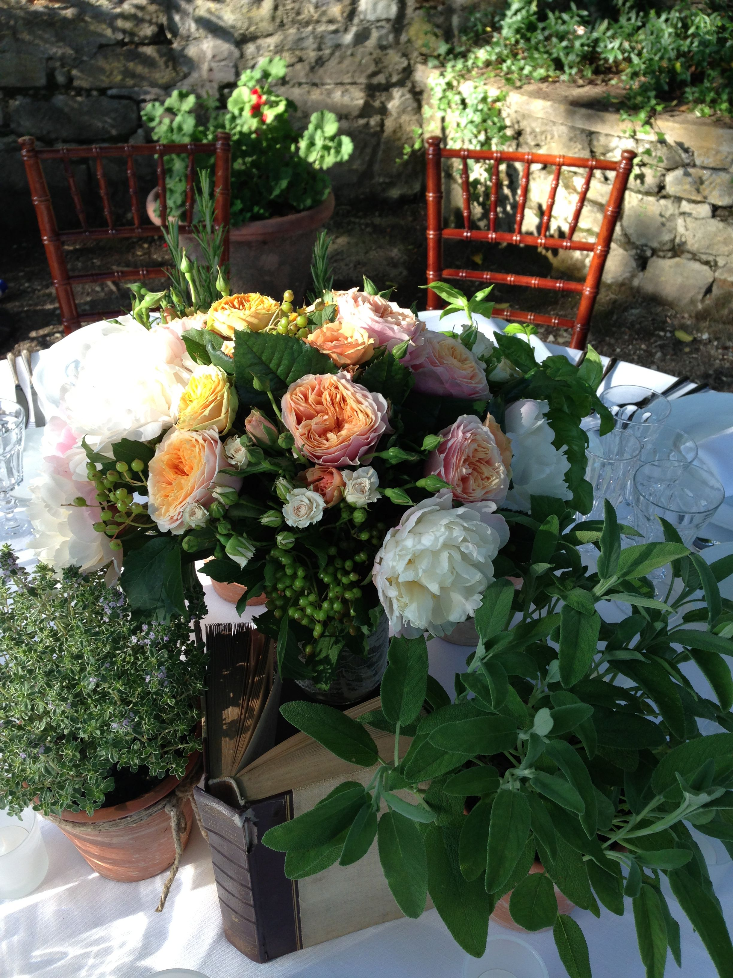 Flowers books and aromatic plants iattifiori wedding