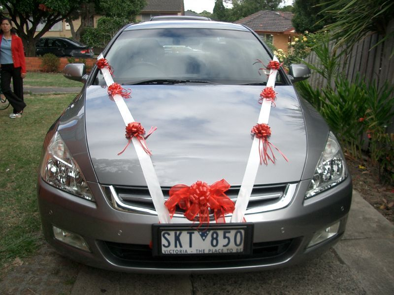 The Best Wedding Car Decorations Fun Ways To Decorate