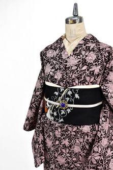 <Img class = 'new_mark_img1' src = 'http: //shimaiya.jp/img/new/icons6.gif' style = 'border: none; display: inline; margin: 0px; padding: 0px; width: auto;' /> European race rose Arabesque beautiful wool single kimono in Ruby Black