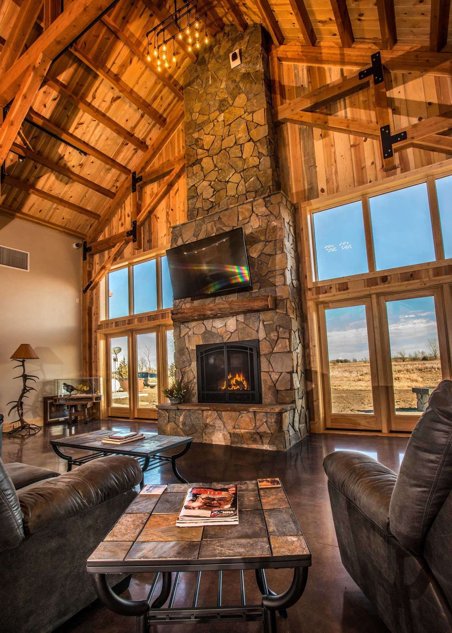 Fireplaces Great Rooms And Room: Interior Rustic Lodge Great Room With Scenic View And Fireplace