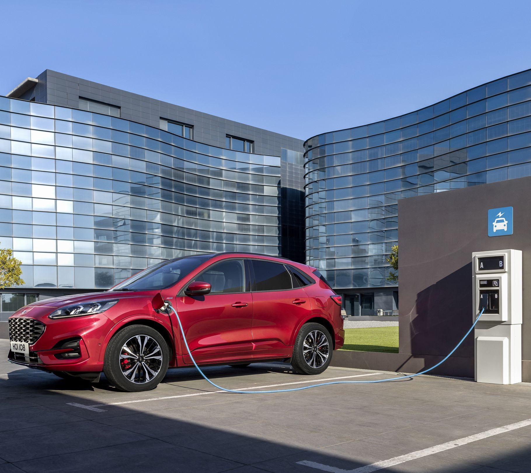 Bereit Fur Morgen Neuer Markenclaim Von Ford In 2020 Mit Bildern Elektrofahrzeug Ford Werke Automobil