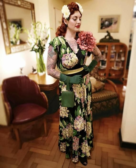 1930/'s 1940/'s Hollywood Style Large Cream Peony  Dress Corsage