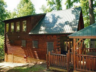 Cabin in between Gatlinburg and Pigeon Forge Falcon Crest 2911Vacation Rental in Cobbly Nob from @homeaway! #vacation #rental #travel #homeaway