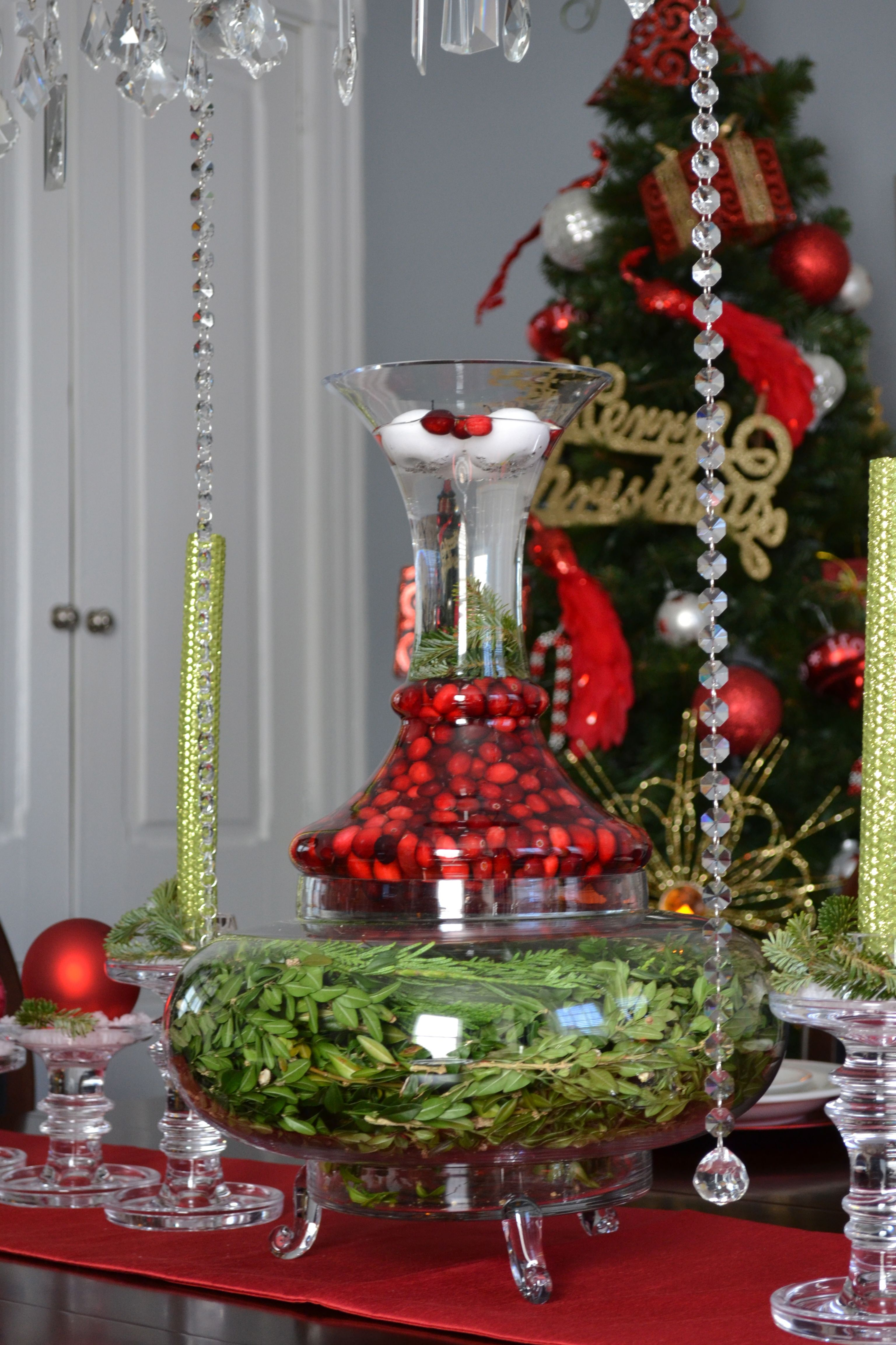 Christmas Table Centerpiece Greenery Cranberries In Water And Floating Candles Table Centerpieces Christmas Decorations Floating Candles
